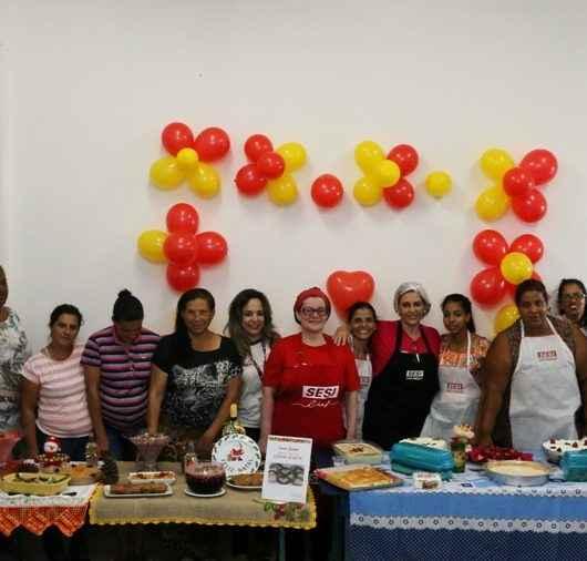 Oficina Ceia de Natal encerra cursos da Prefeitura de Caraguatatuba e SESI para moradores do Nova Caraguá II