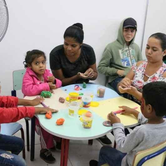 CRIES do Perequê-Mirim encerra atividades do ano com festa de Natal para crianças e familiares