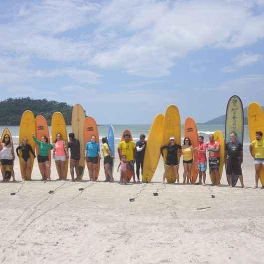 Surfe é tema do II Encontro de Educação Física para capacitação e aplicação do esporte nas escolas