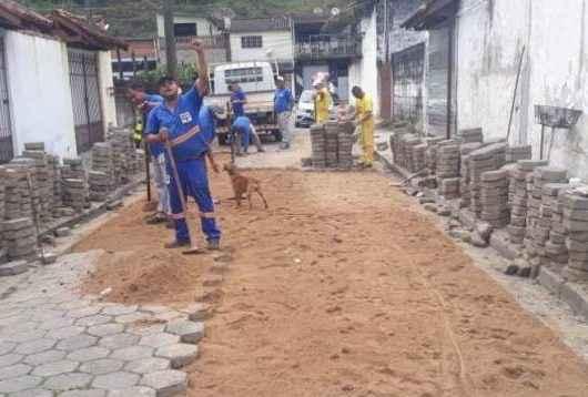 Prefeitura realiza reassentamento de bloquetes no Rio do Ouro