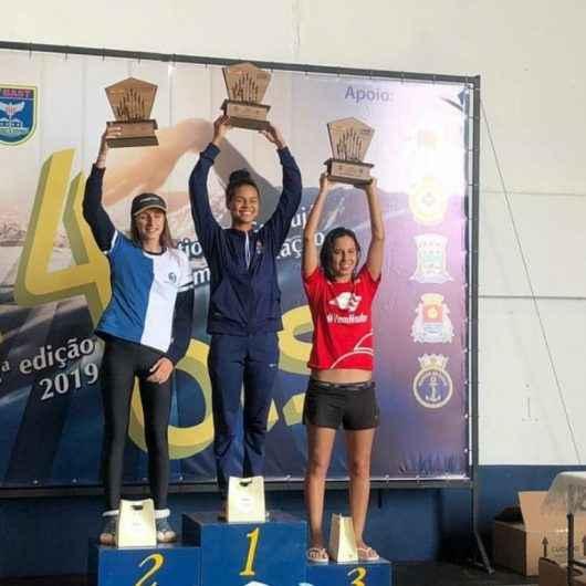 Atleta de Caraguatatuba bate recorde em maratona aquática