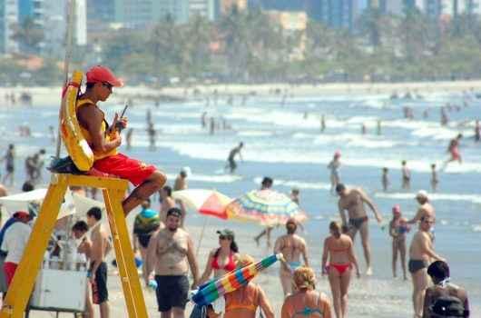 Caraguatatuba recebe aumento no efetivo de Guarda-Vidas para Carnaval