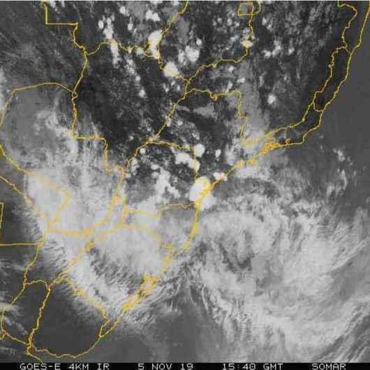 Defesa Civil do Estado alerta para chuvas e rajadas de ventos de até 60 km/h