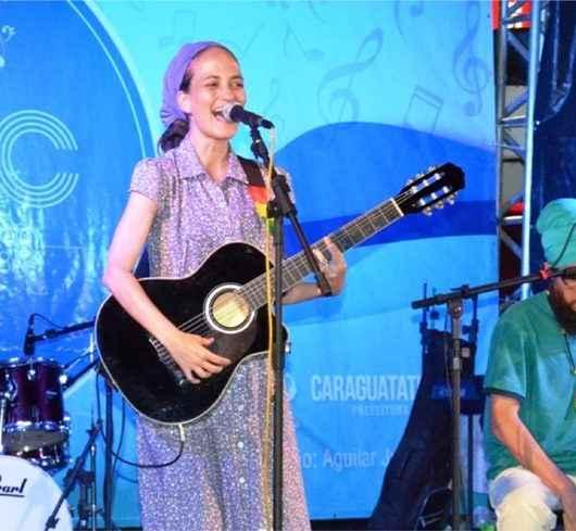 Praça Dr. Cândido Mota recebe tarde de premiações do 12º Festival Estudantil de Teatro de Caraguatatuba