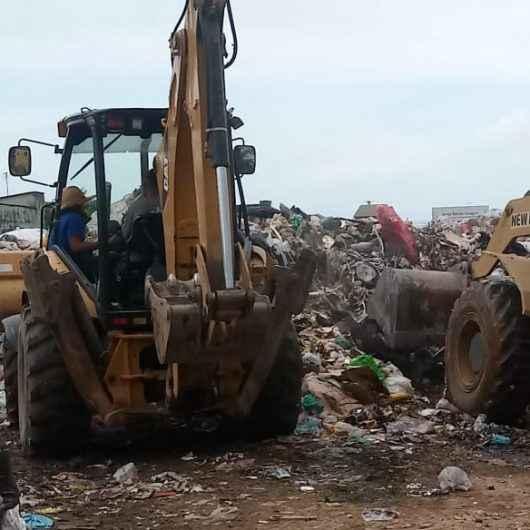 Ação integrada desativa lixão clandestino em área do Travessão