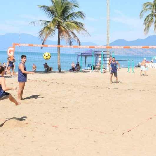 Torneios de futevôlei e vôlei de praia agitam verão em Caraguatatuba