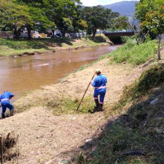 Bairros, Avenida da Praia e Ciclovia recebem equipes de limpeza e manutenção