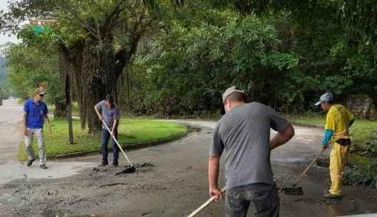 Operação Tapa-buracos viabiliza acesso ao bairro Tabatinga
