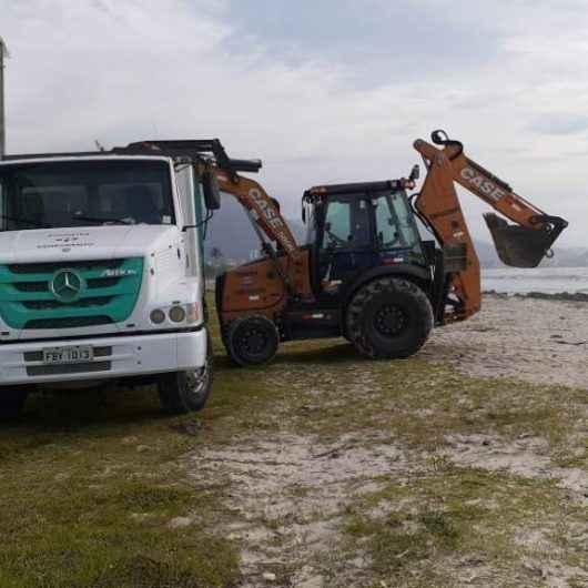Prefeitura intensifica limpeza de costeiras e praias com Bota-fora