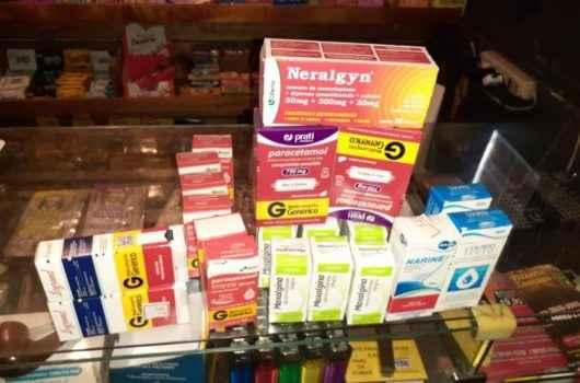 Força-tarefa da Fiscalização de Caraguatatuba flagra de venda de remédios a estacionamento irregular