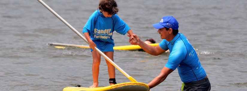 Praias de Caraguatatuba recebem projeto SUP e Surf para Todos em dois finais de semana