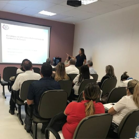 Caraguatatuba reforça ações sobre dengue em Salas de Controle e Treinamento
