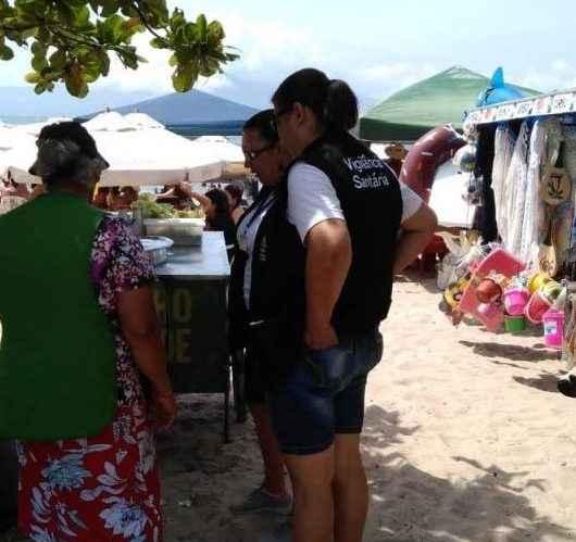 Fiscalização de Caraguatatuba autua por perturbação de sossego, retira campings e inspeciona ambulantes