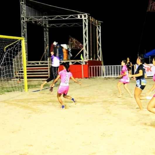 Torneio de Beach Soccer da Prefeitura de Caraguatatuba promove 12 disputas na Arena Verão Esportiva