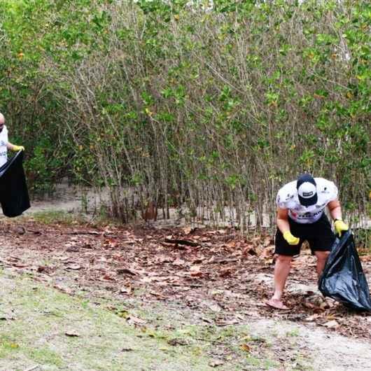 Voluntários podem participar de ação de limpeza de praias nesta sexta-feira (24)