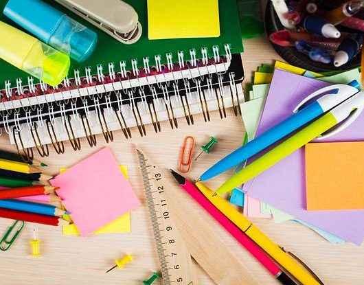 Procon de Caraguatatuba orienta sobre compra de material escolar