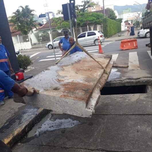 Prefeitura troca tampa de aduela na região central