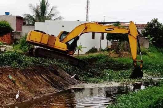 Vala no Perequê e Tarumãs recebe diversos trabalhos de prevenção contra enchentes