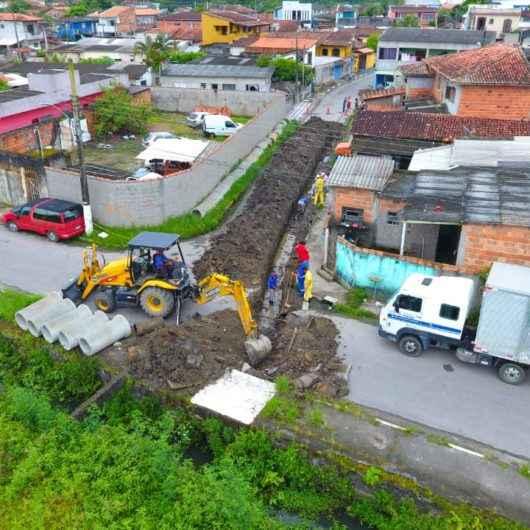 Nova tubulação de drenagem compõe o sistema de prevenção contra enchentes no Tinga