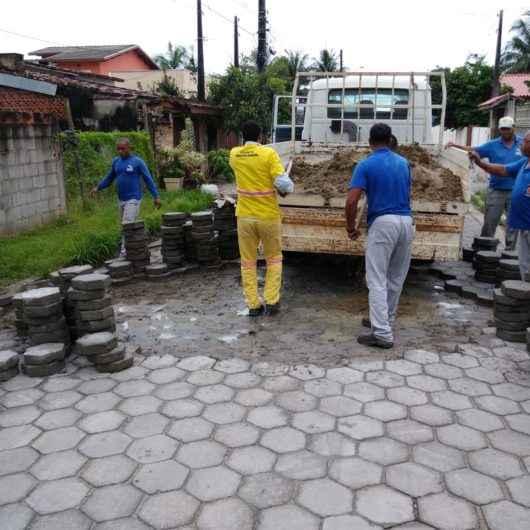 Prefeitura de Caraguatatuba finaliza manutenção de bloquetes no Jetuba