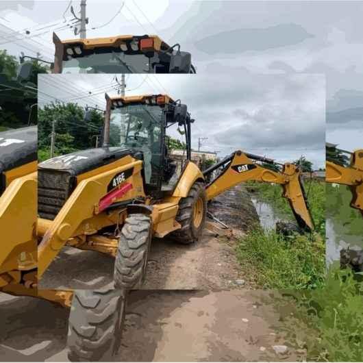 Prefeitura de Caraguatatuba realiza trabalho de desassoreamento no Pegorelli