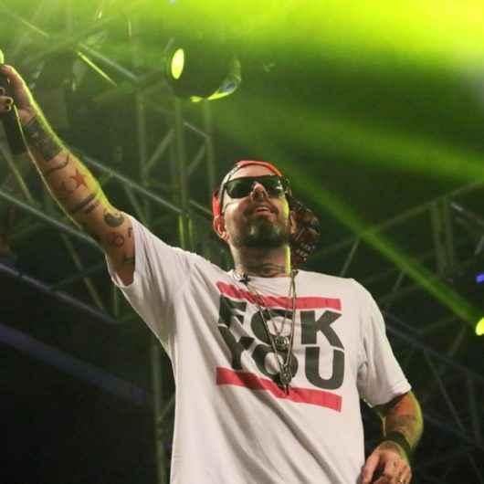 Rock do Detonautas é sucesso e leva 15 mil pessoas à Praça da Cultura
