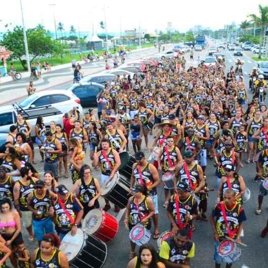 Bloco Família Cirrose abre o último dia de Carnaval em Caraguatatuba