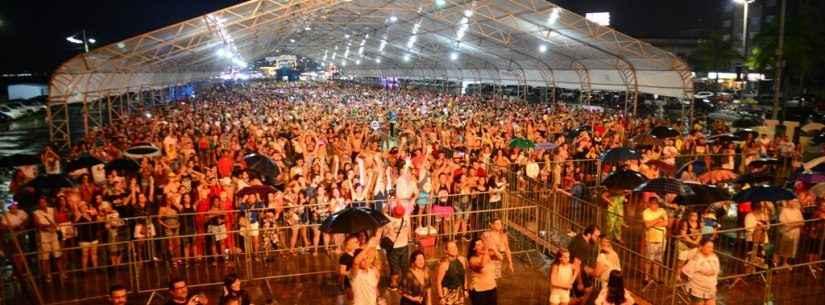 Carnaval de Caraguatatuba atrai milhares de pessoas em seis dias de folia