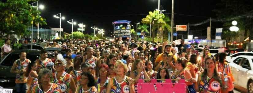 Bloco da Solidariedade reuniu mais de 600 foliões no Centro de Caraguatatuba