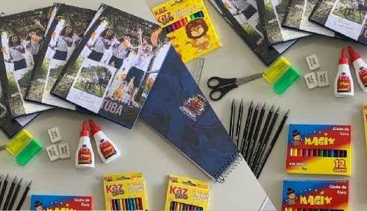Prefeitura entrega mais de 16.900 kits escolares na volta às aulas