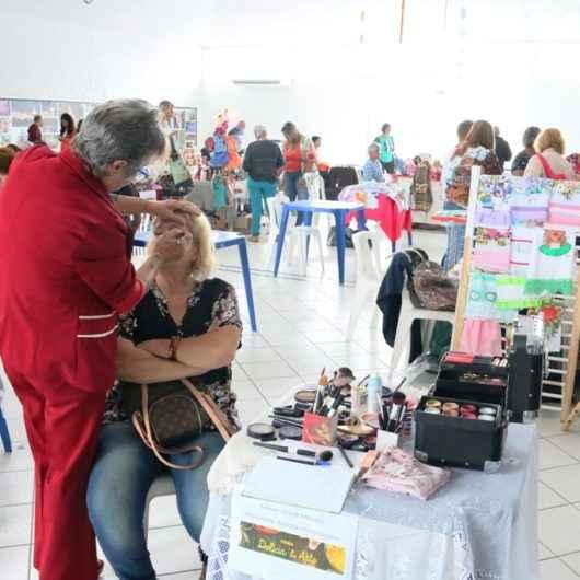 """""""Feira Delícia & Arte"""" reúne 44 expositores no Ciapi de Caraguatatuba"""