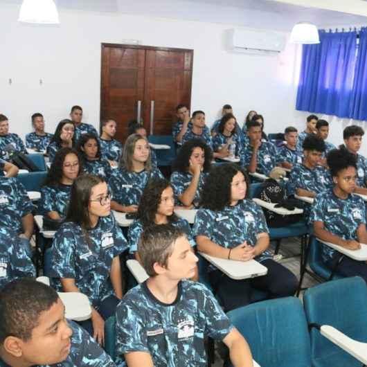 Integrantes da Guarda Mirim de Caraguatatuba são capacitados para atuarem como Jovens Aprendizes