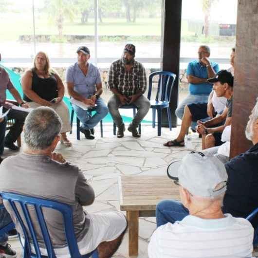 Prefeitura de Caraguatatuba se reúne com taxistas e motoristas de aplicativo para discutir regulamentações