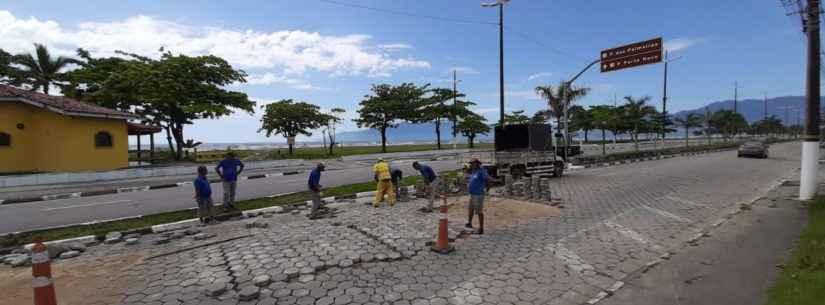 Avenida da Praia recebe manutenção em pavimento