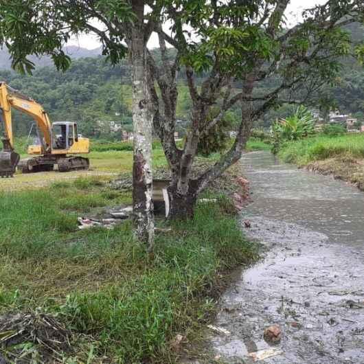 Prefeitura realiza força-tarefa de serviços no Jardim Santa Rosa