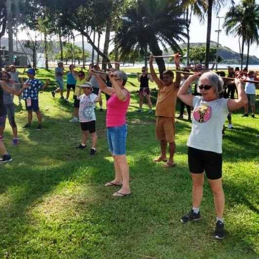Qualidade de vida: Programa Praia Acessível recebe idosos e pessoas com deficiência