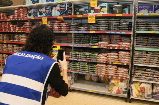 Procon de Caraguatatuba notifica supermercados sobre aumento abusivo nos preços