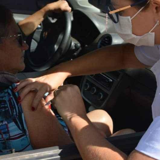 Vacinação de idosos contra  Influenza terá 'Drive-Thru' em 3 locais de Caraguatatuba