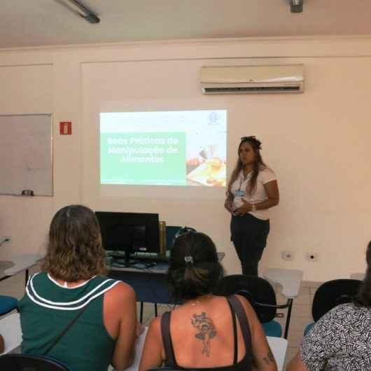 Moradores do Residencial Nova Caraguá II aprendem sobre Boas Práticas de Manipulação de Alimentos