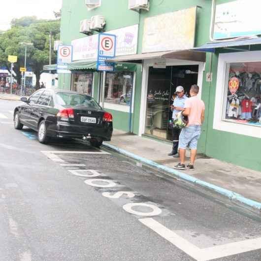Prefeitura de Caraguatatuba prorroga prazo para renovação dos cartões de estacionamento para idosos e PCDs