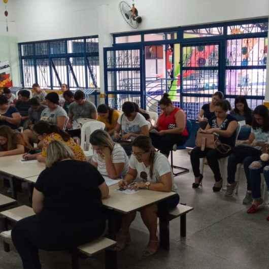 Funcionários das escolas da Rede Municipal de ensino recebem palestras sobre ética