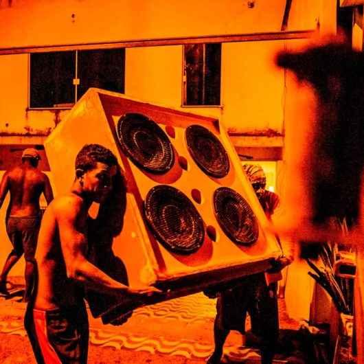 Em parceria com MIS, MACC recebe exposição fotográfica 'Radiolas'