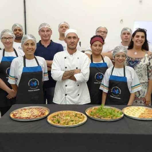 Alunos finalizam curso de pizzaiolo com novas oportunidades