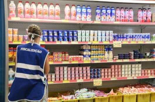 Procon de Caraguatatuba autua supermercados e multas ultrapassam R$ 1,4 milhão