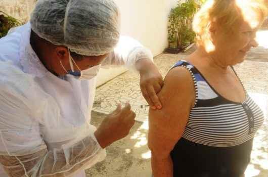 Caraguatatuba aguarda nova remessa de vacinas contra gripe enviadas pelo Estado