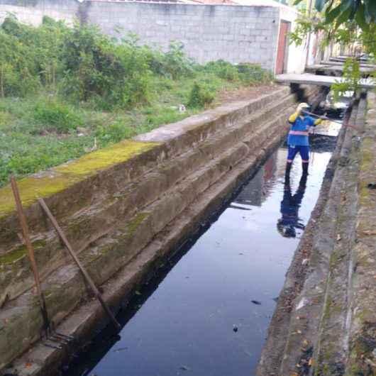 Limpeza de valas para prevenção de enchentes no Travessão finalizadas hoje