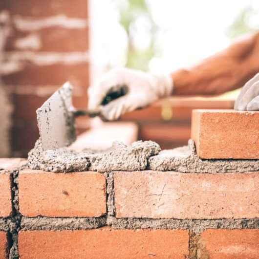 Em tempos de Covid-19, mercado da construção civil se aquece em Caraguatatuba