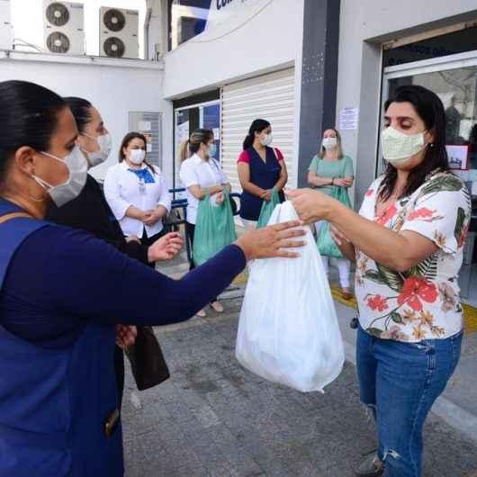 1,5 mil máscaras artesanais são entregues aos pacientes das Unidades Básicas de Saúde