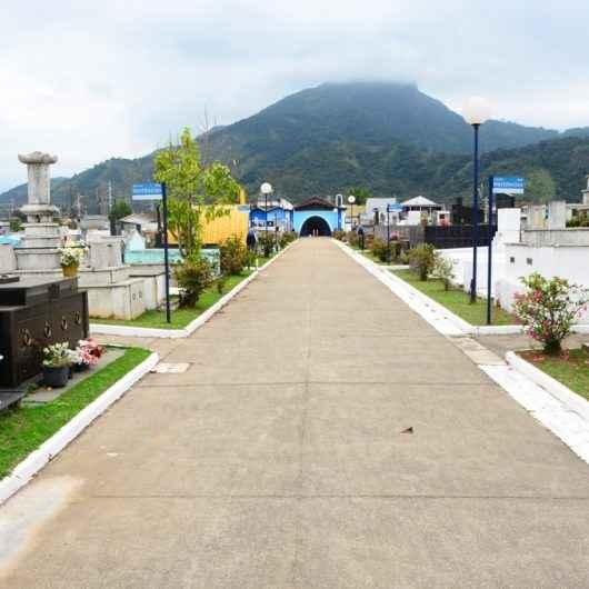 Cemitério Municipal de Caraguatatuba abre para visitação no Dias das Mães com regras de distanciamento social