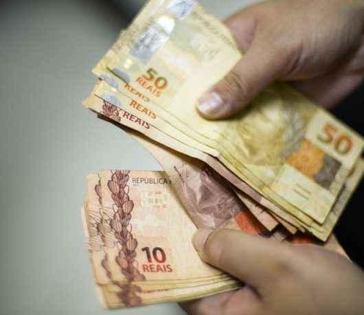 Servidores municipais Caraguatatuba podem suspender parcelas de consignados por quatro meses